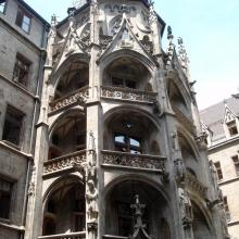 Новая Ратуша (Neues Rathaus) - внутренний двор