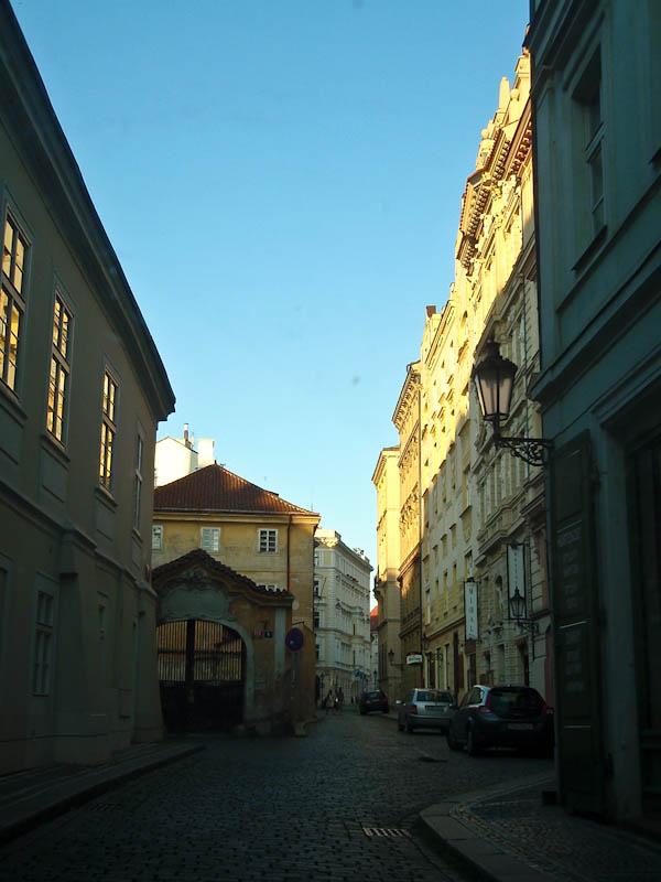 Прага из окна авто